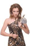 Close up da mulher selvagem nova com martelo de pedra Fotos de Stock