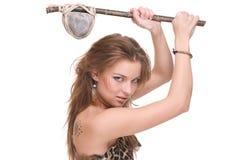 Close up da mulher selvagem nova com martelo de pedra Fotografia de Stock