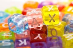 Close-up da palavra do IMPOSTO em blocos plásticos Fotografia de Stock