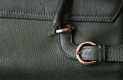 Close-up da textura de couro verde como o fundo Imagens de Stock