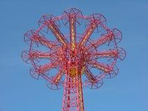 Close up da torre da gota de pára-quedas Fotos de Stock Royalty Free