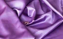 Close-up das alianças de casamento do ouro Foto de Stock Royalty Free