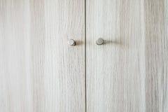 Close-up das portas do vestuário de madeira, texturas de madeira imagens de stock
