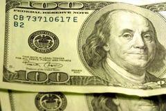 Close-up de $100 contas Imagens de Stock