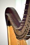 Close up de ajustamento dos mecanismos da harpa do pedal Imagem de Stock