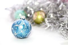 Close up de bolas azuis do Natal Imagens de Stock