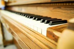 Close up de chaves de um piano Fotografia de Stock Royalty Free