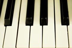 Close up de chaves de um piano Foto de Stock Royalty Free