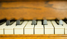 Close up de chaves de um piano Imagem de Stock Royalty Free