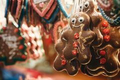 Close-up de cookies alemãs tradicionais no mercado do Natal Fotografia de Stock