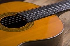 Close-up de cordas clássicas da guitarra Fotografia de Stock