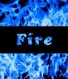 Close up de flamas azuis do incêndio foto de stock