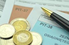 Close up de formulários de imposto poloneses foto de stock