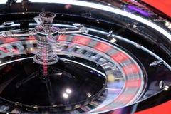 Close-up de giro da roda de roleta do casino eletrônico Foto de Stock Royalty Free