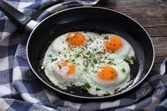 Close-up de ovos fritados do estrelado Fotos de Stock Royalty Free