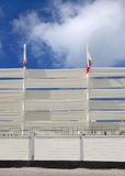 Close up de potenciômetros da bandeira e da cerca de bloqueio da lona Foto de Stock