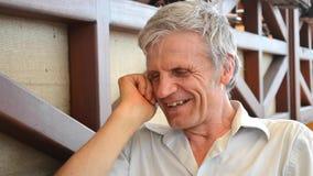 Close-up de riso do ancião video estoque