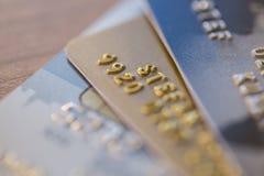 Close up de três cartões de crédito Imagem de Stock
