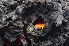 Close-up de um fluxo de lava do vulcão Kilauea em Havaí foto de stock royalty free