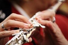 Close up de um jogador de flauta Imagens de Stock Royalty Free