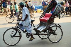 Close-up de um motorista do riquexó em Dhaka Imagens de Stock Royalty Free