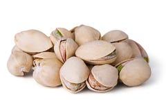 Close-up de um pistachio isolado no branco Imagem de Stock