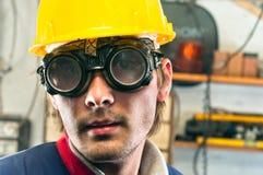 Close up de um trabalhador industrial fotografia de stock