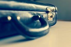 Close up de uma breve caixa gasto marrom velha que é Fotografia de Stock Royalty Free