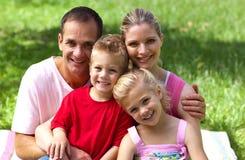 Close-up de uma família feliz que sorri na câmera Foto de Stock Royalty Free