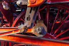 Close-up de uma manivela excêntrica e das rodas de um navio imagem de stock