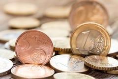 Close up de uma moeda do euro- centavo 5 Fotos de Stock Royalty Free