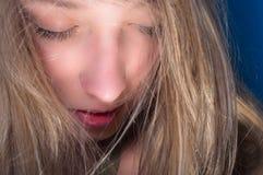 Close up de uma mulher nova bonita Foto de Stock Royalty Free