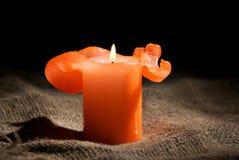 Close up de uma vela ardente Fotografia de Stock