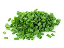Close-up desbastado das cebolas verdes isolado em um fundo branco Imagens de Stock Royalty Free