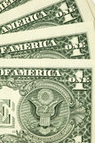 Close up disparado de poucas contas de dólar Imagens de Stock