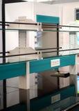 Close up do arranjo da mobília do laboratório em uma indústria fotos de stock royalty free