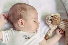 Close-up do bebê recém-nascido de 4 meses bonito Fotografia de Stock Royalty Free