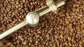 Close-up do café durante refrigerar video estoque