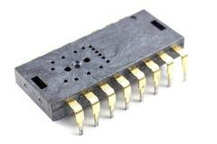 Close up do circuito integrado em um fundo branco Fotos de Stock Royalty Free