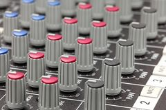 Close up do console de mistura audio. Fotografia de Stock