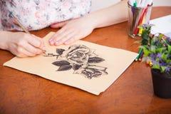 Close up do desenho na mesa foto de stock