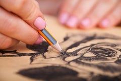 Close up do desenho na mesa imagem de stock