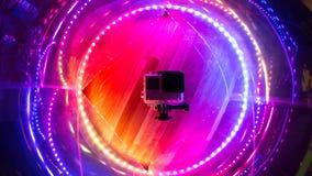 Close up do estúdio do ponto de iluminação da cor da câmara digital da ação fotos de stock