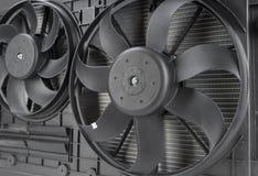 close up do fã do radiador do carro foto de stock