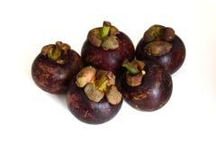 Close up do fruto do mangustão no fundo branco Imagens de Stock Royalty Free