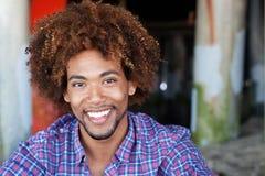 Close up do homem do americano africano na praia Fotografia de Stock Royalty Free