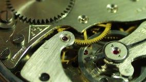 Close-up do maquinismo de relojoaria, rotação filme