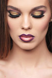Close up do retrato da mulher bonita imagem de stock royalty free