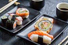 Close up do sushi para dois povos Fotografia de Stock Royalty Free