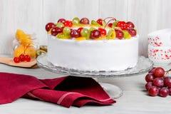 Close-up do tiro do bolo branco do fruto Foto de Stock Royalty Free